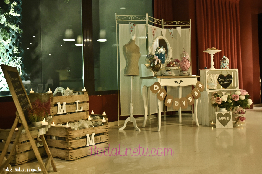 Decoracion vintage para tu boda bodalinetv for Decoracion salon vintage